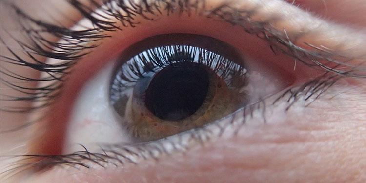 """Uzmanlar """"göz migrenine"""" karşı uyardı"""