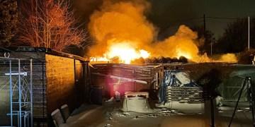 Bahçe evinde patlamalı yangın
