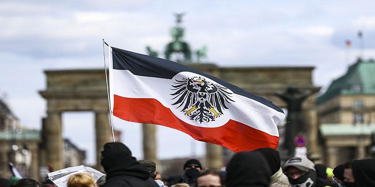 Almanya'da Kovid-19 tedbirlerini protestolarda çok sayıda gözaltı