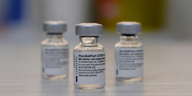 AB, BioNTech-Pfizer'dan 1,8 milyar doz aşı almaya hazırlanıyor