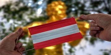 Avusturya açılıyor