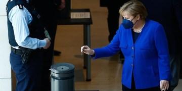 Almanya'da Federal Meclis'ten aşılananlar için Kovid-19 tedbirlerinin gevşetilmesine yeşil ışık