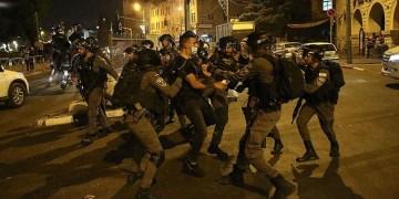 """İsrail'in saldırılarına """"terör"""" diyen CDU'lu Türk siyasetçi görevini bıraktı"""