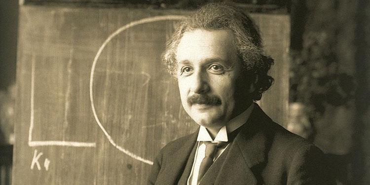 Einstein'ın el yazısı mektubu 1,2 milyon dolara satıldı