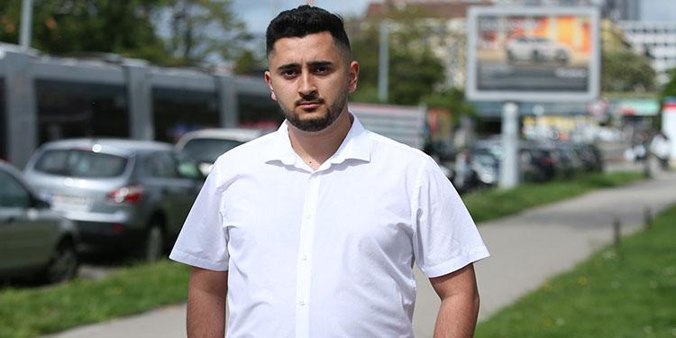 Avusturya'da Filistin bayrağını sosyal medyada paylaşan siyasetçi, Başbakan Kurz'un partisinden ihraç edildi