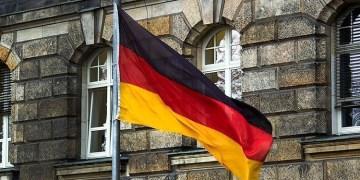 Almanya'da 100 yaşındaki eski Nazi yargılanacak