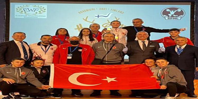 Türkiye 'Gençler ve 23 Yaş Altı Avrupa Halter Şampiyonası'nı 31 madalyayla tamamladı