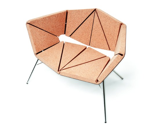 Vinco cork chair by Tony Grilo – ready to use just by assembling the board on the polished steel structure, without any glue or screws.