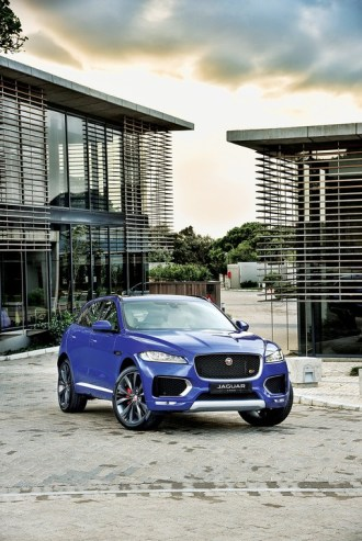 Jaguar F-PACE First Edition static on location 8