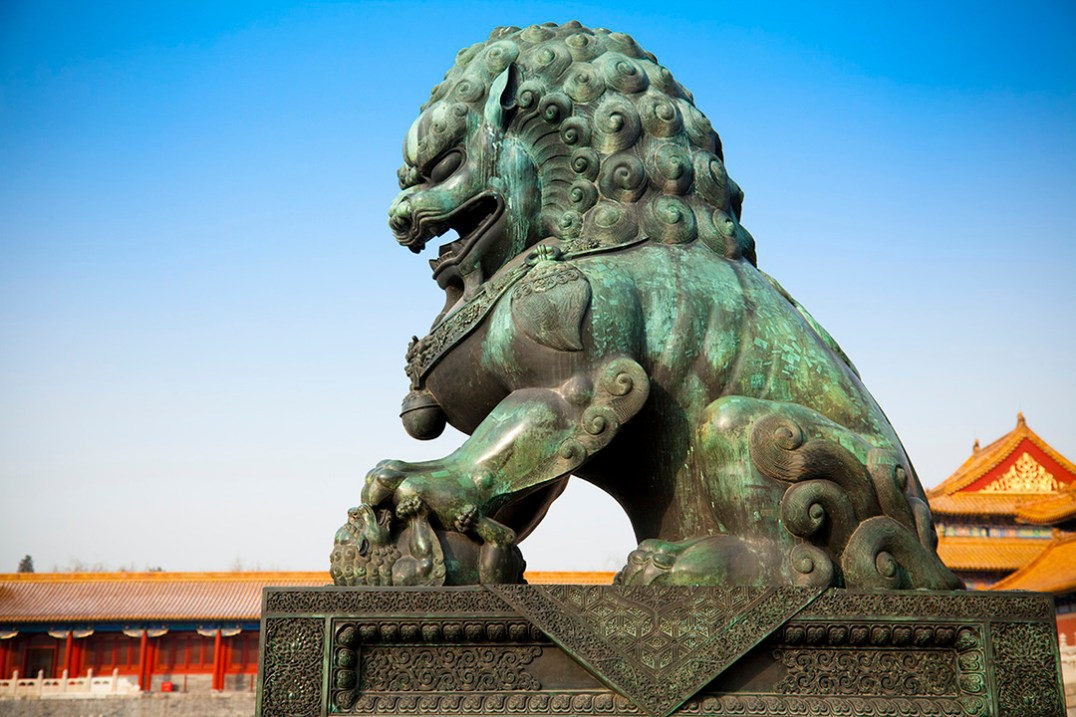 Guardian lion statue in early morning, @ the Forbidden City, Beijing, China