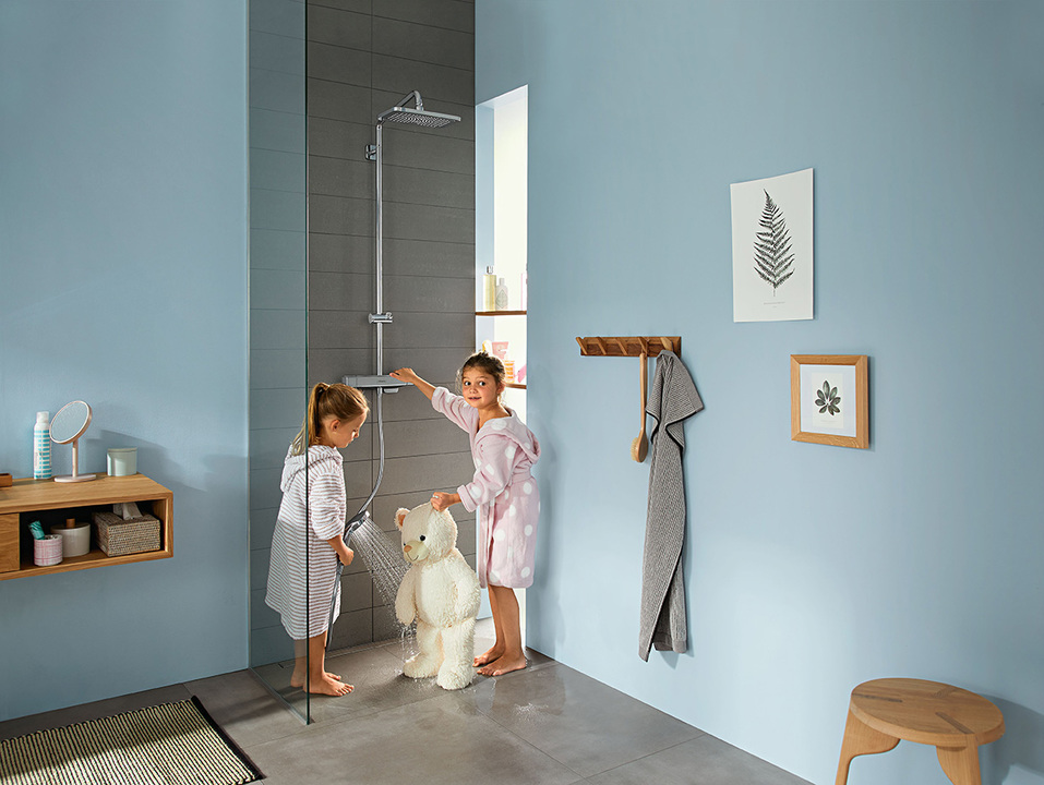 With the new SoftCube design and optimal safety functions, the new Croma E range offers a comfortable shower experience, making it the ideal shower for the family.