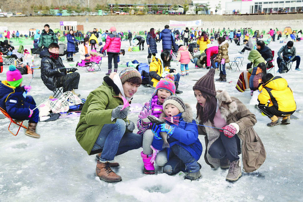 Hwacheon Sancheoneo Ice Festival to attract record no. of foreign tourists
