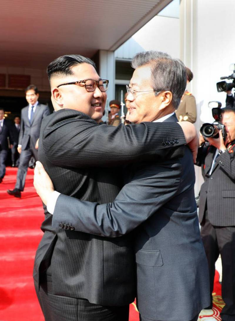 [Breaking News] South Korean President Moon and North Korean Supreme Leader Kim has second summit today
