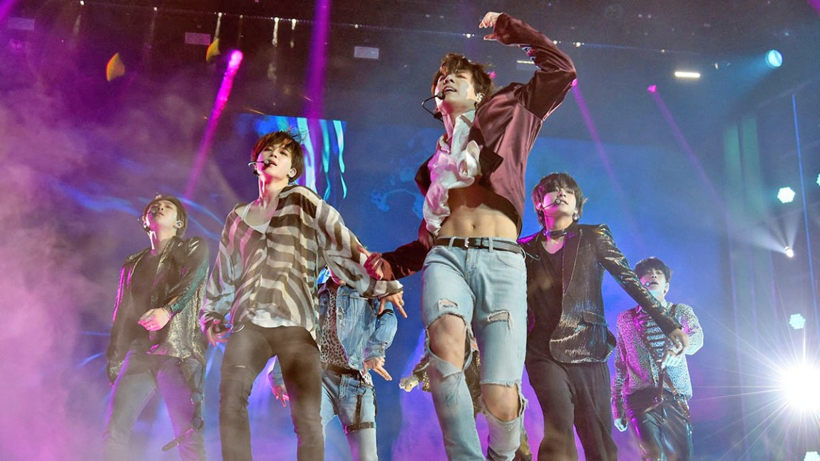 BTS had a traffic accident, possibly caused by ARMY
