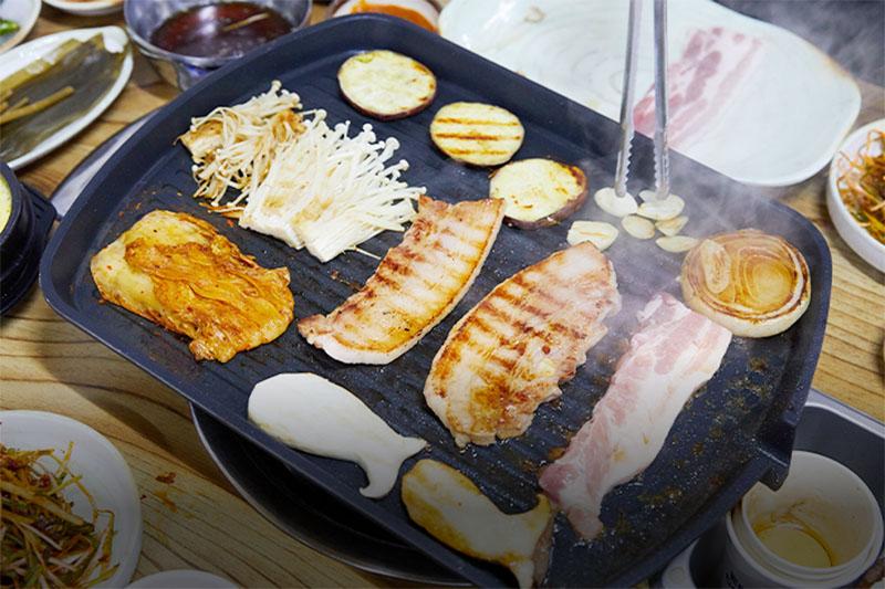 samgyeopsal seoul korea