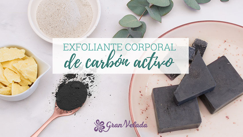 Tutorial para aprender como hacer exfoliante corporal de carbon en casa con paso a paso y vídeo.