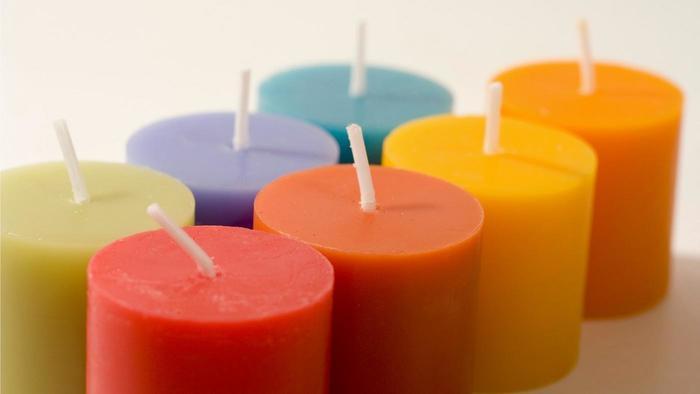 Cómo hacer velas de colores