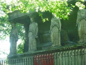 statue-euston-1