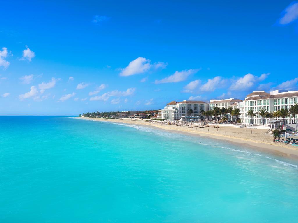 calm aqua water on the shore of playa del carmen in cancun