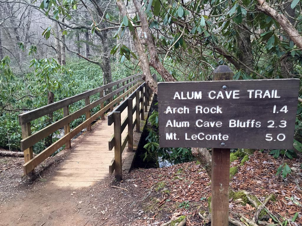sign at alum cave trailhead