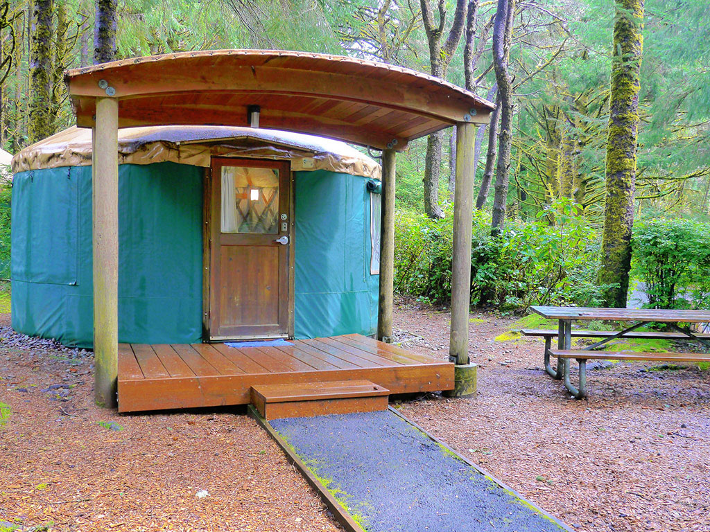 yurt in an oregon forest
