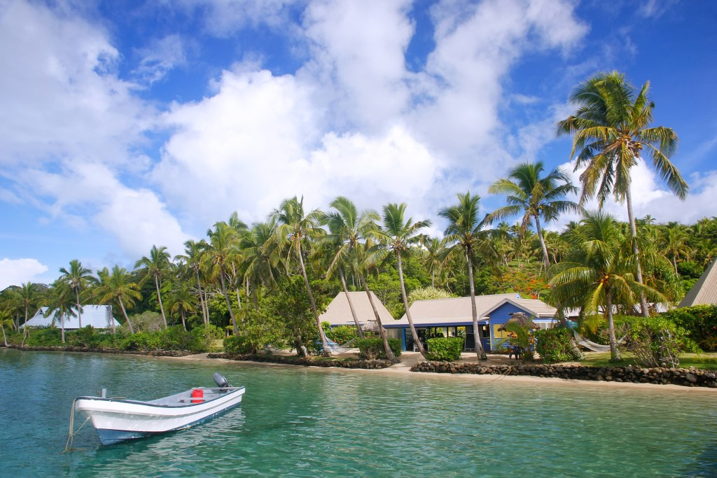 Tropical Island Beach Ambience Sound: Where To Stay In Fiji On A Budget