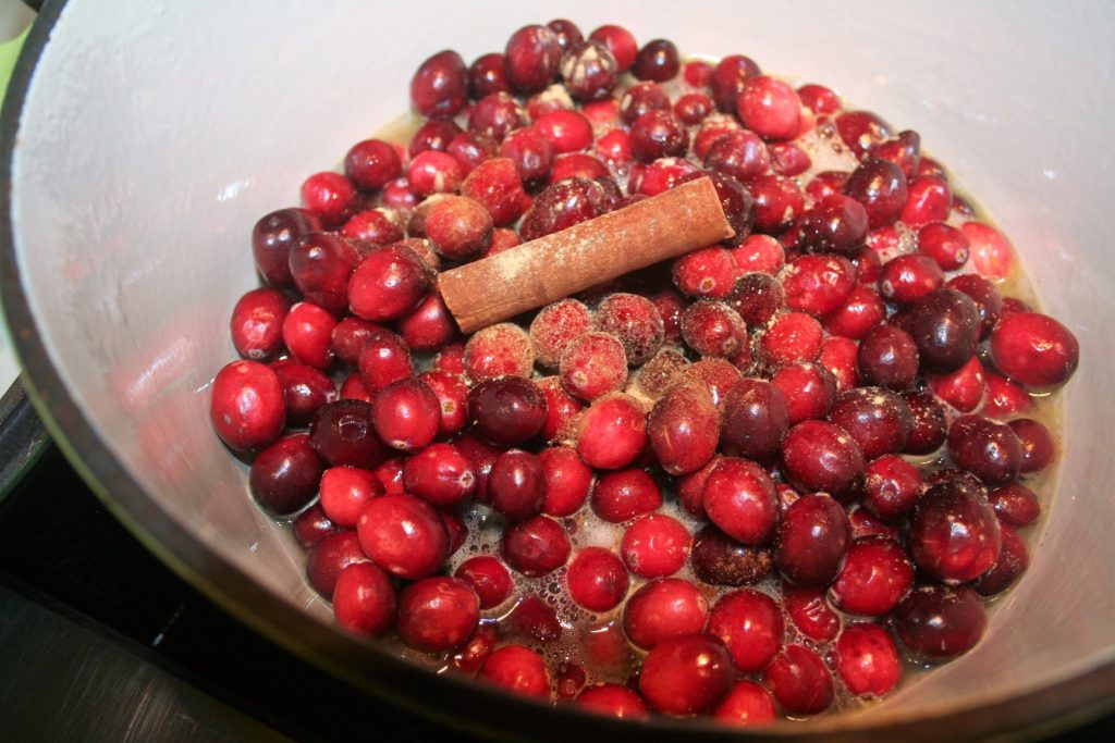 Easy Low Sodium Slow-Cooker Cranberry Sauce