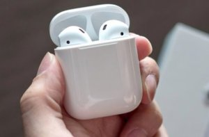 Open case of Airpods