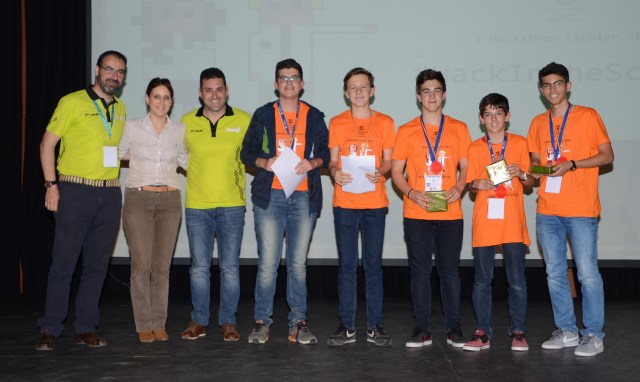 Equipo Magic Chechu, ganadores de la primera edición del Hackathon Escolar Hack In The School