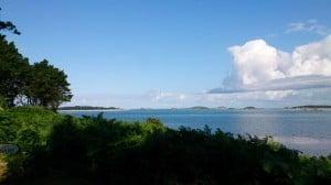 Een uitzicht vanaf een van de eilanden