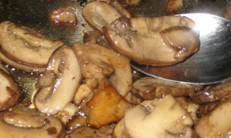 Garlic mushrooms. Photo: mia3mom