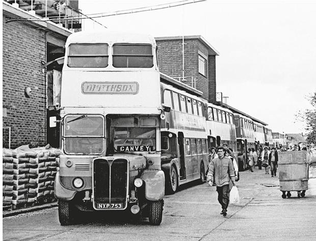 Lesney bus