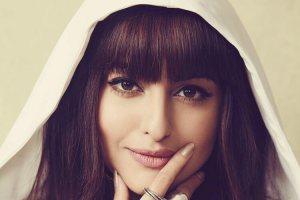 Sonakshi Sinha Chopped her Hair into a Cute Fringe Cut