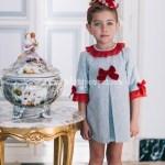 Vestido Gris y Puntilla Roja
