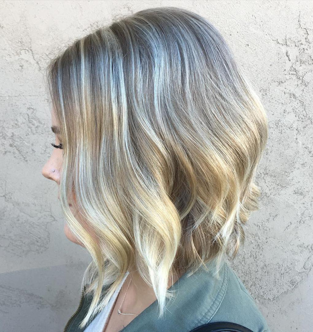 Thin Hair Wavy A-Line Bob with Blonde Balayage