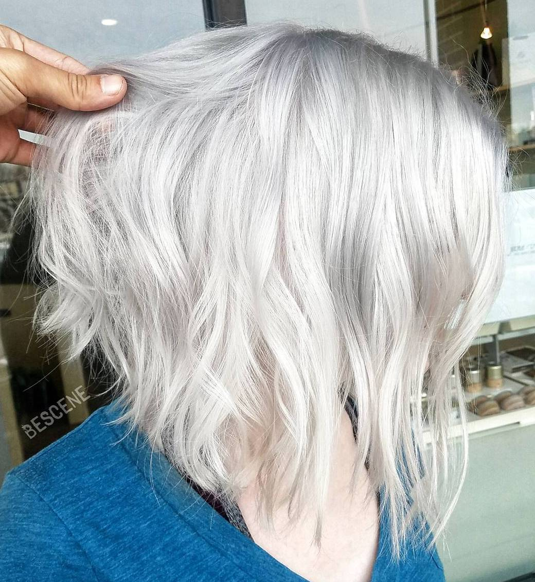 Inverted Wavy Silver Bob for Thin Tresses