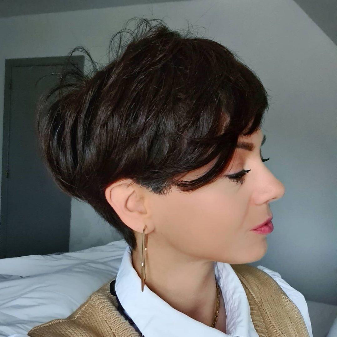 Sweet Short Haircut for Thick Hair