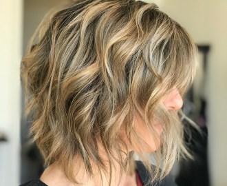 wavy layered bob for fine hair