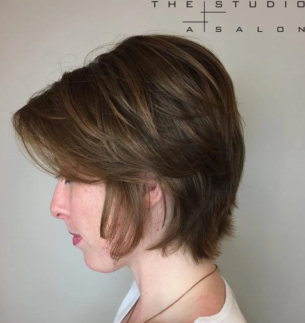 Short-To-Medium Layered Haircut for Fine Hair