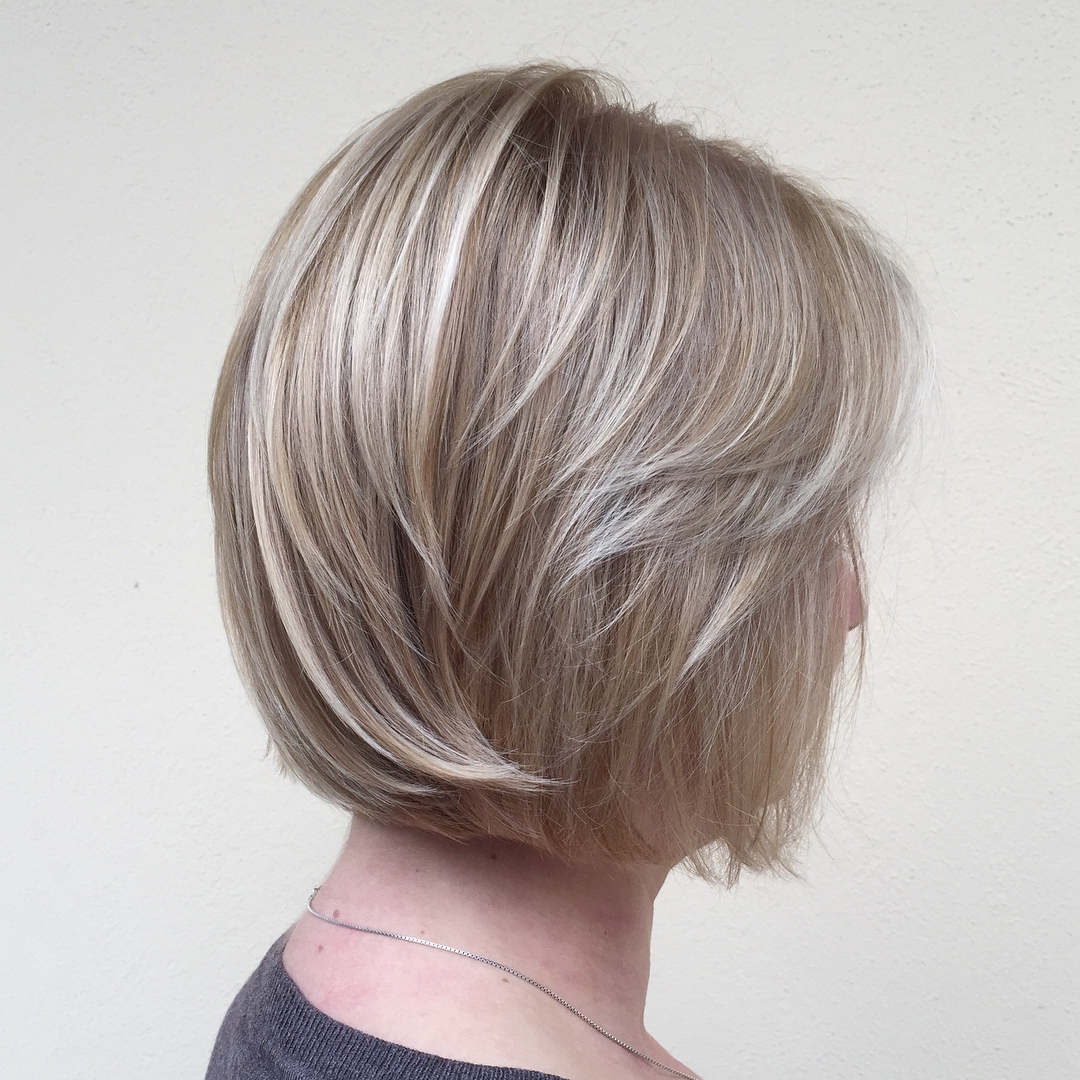 Short Layered Fine Hair Bob with Blonde Balayage