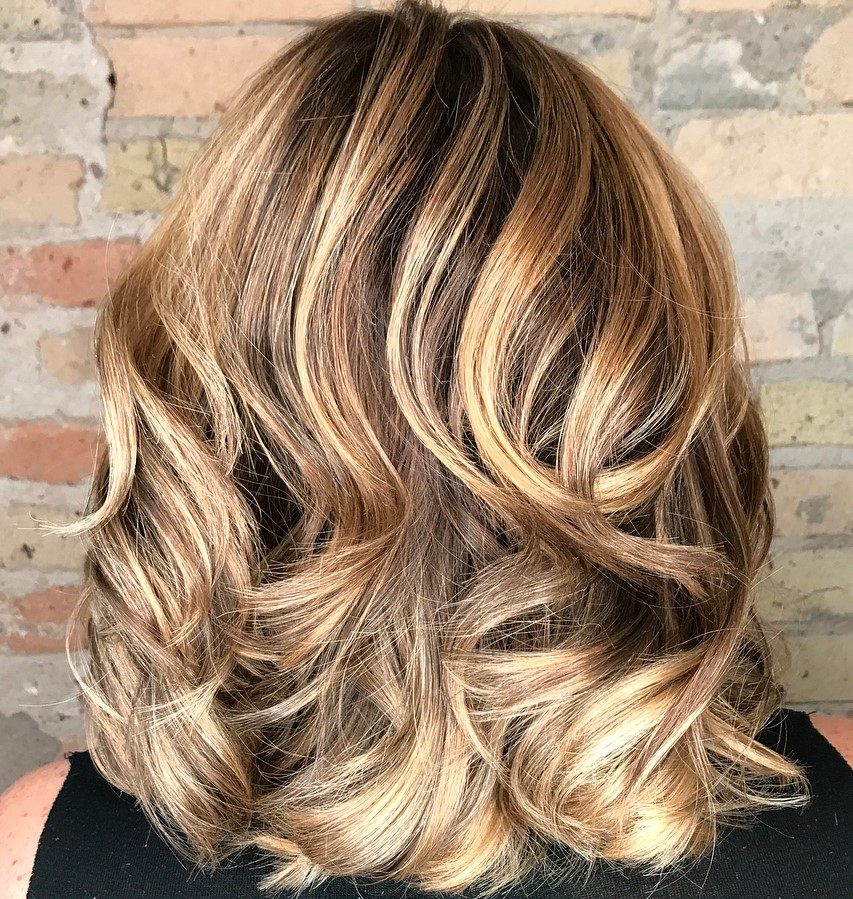 Thick Wavy Hairstyle with Balayage