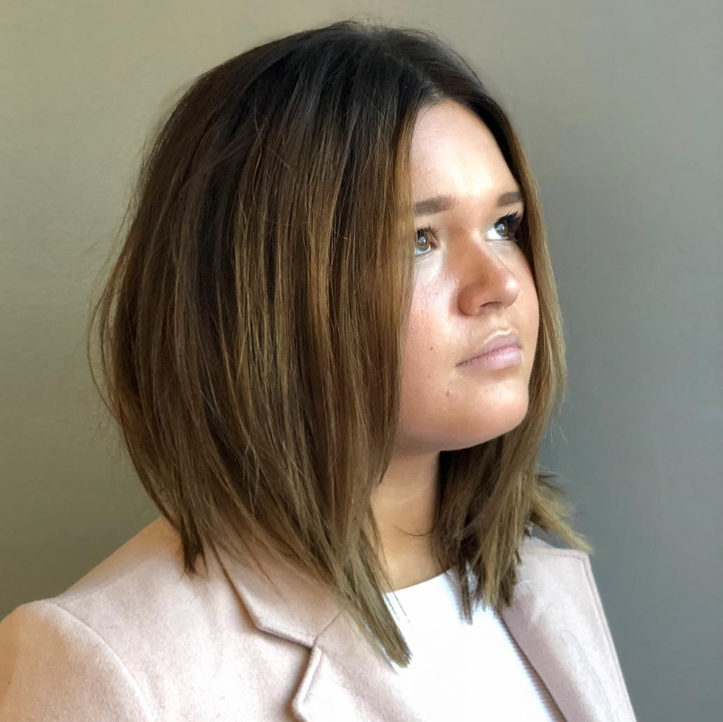 5 Amazing Haircuts for Round Faces - Hair Adviser