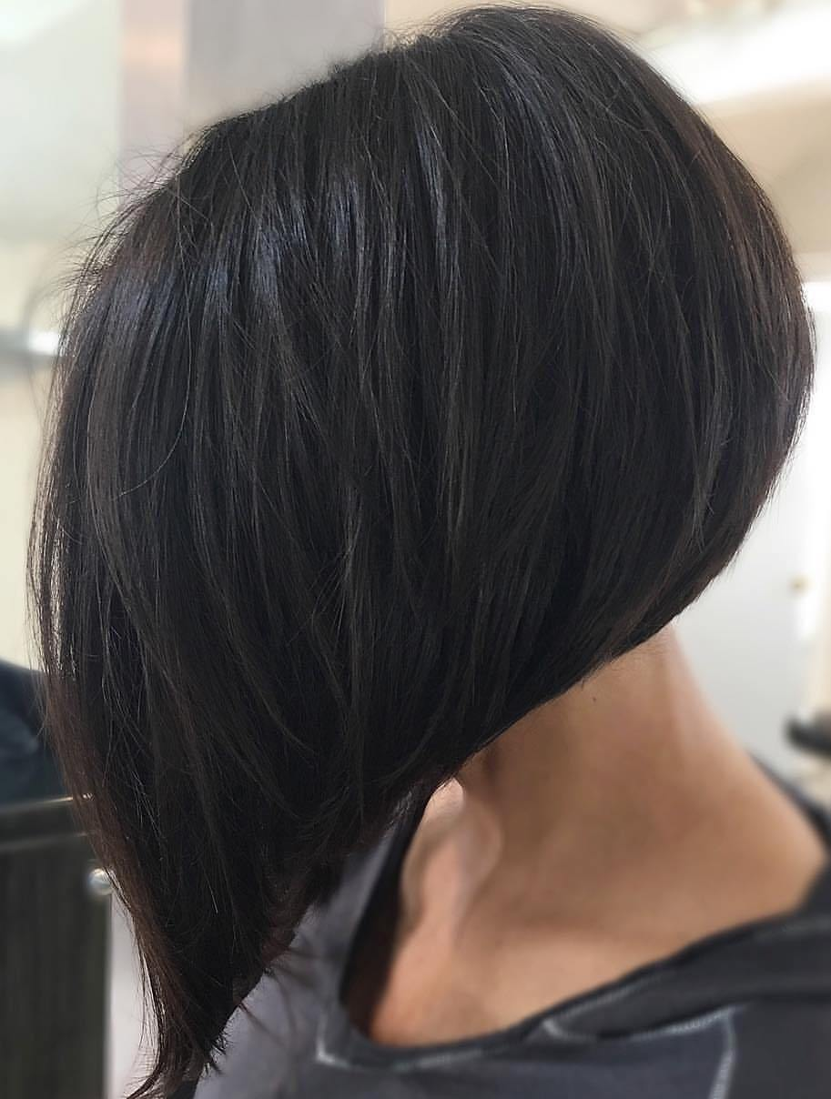 Short Inverted Graduated Black Bob