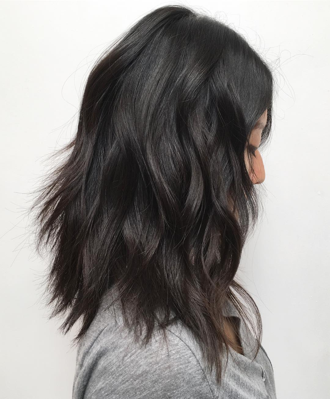 Shoulder Length Haircut with Thick Shaggy Layers