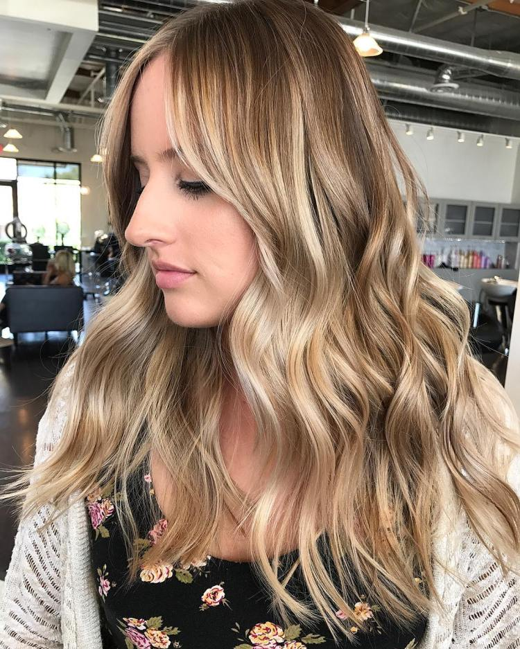 Light Blonde Hair Color for a Big Nose
