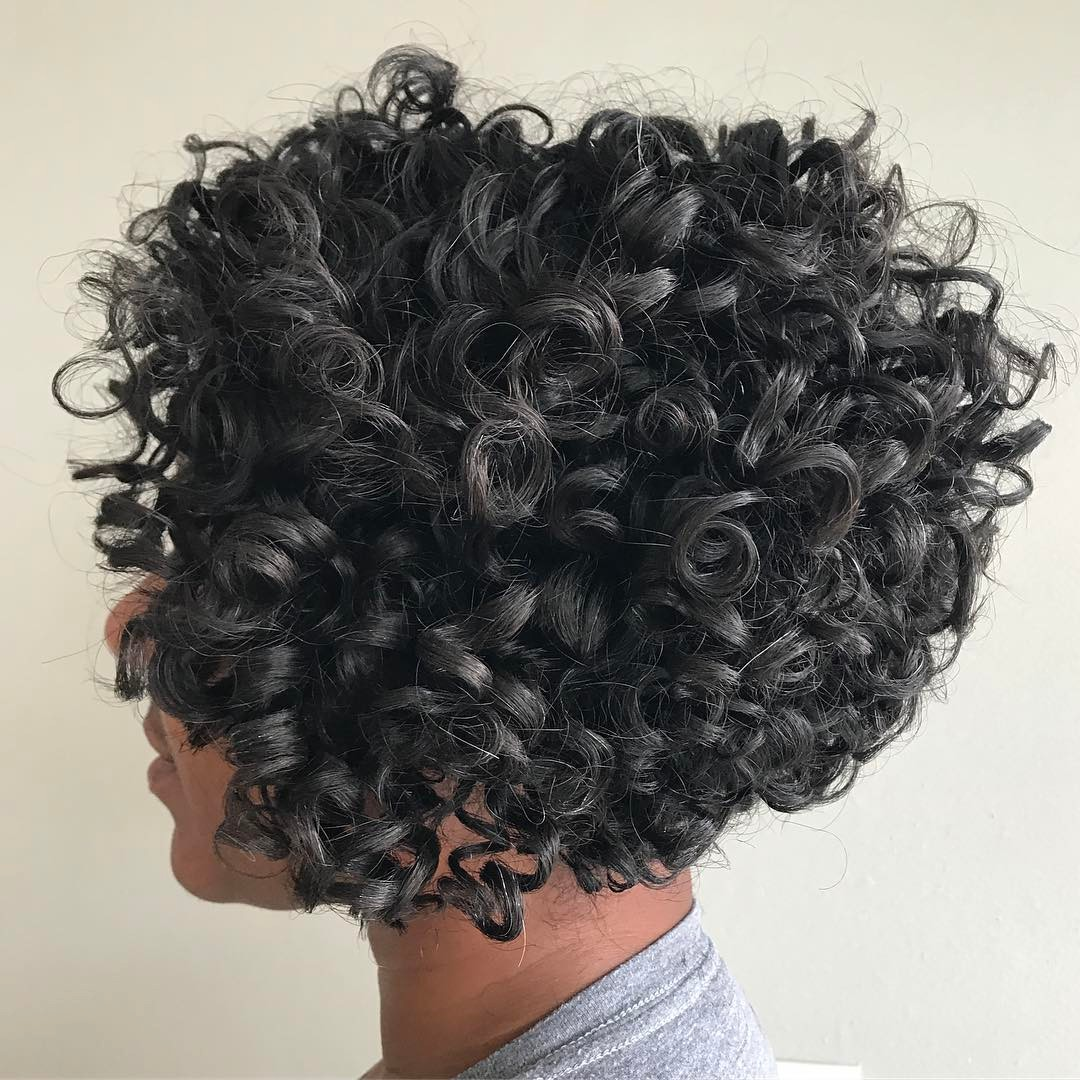 Shorter Stacked Bob for Natural Curls