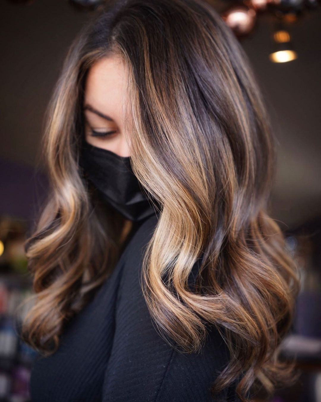 Dark Hair with Face-Framing Highlights