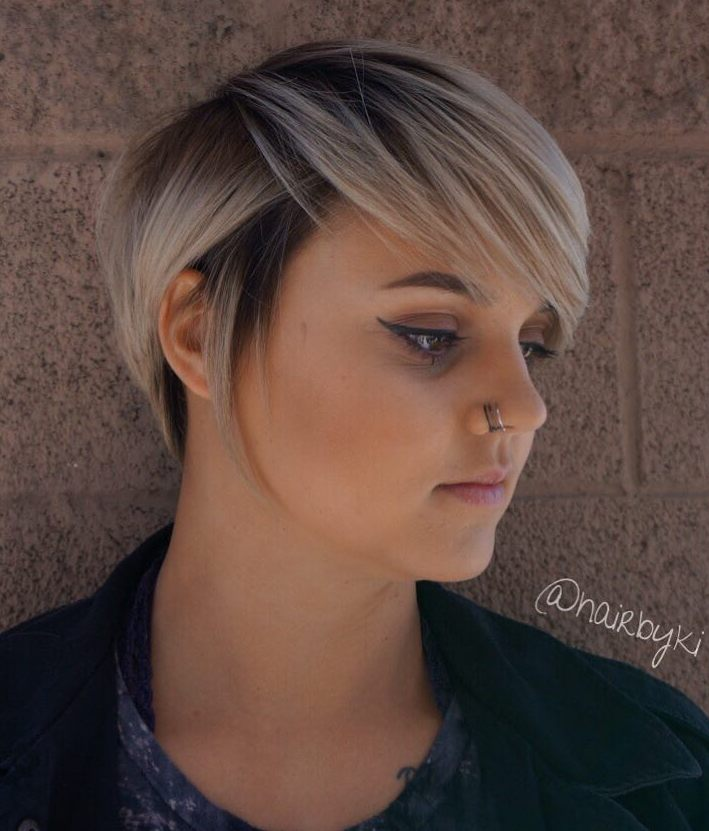 Top 50 Short Hairstyles For Round Faces With Slimming