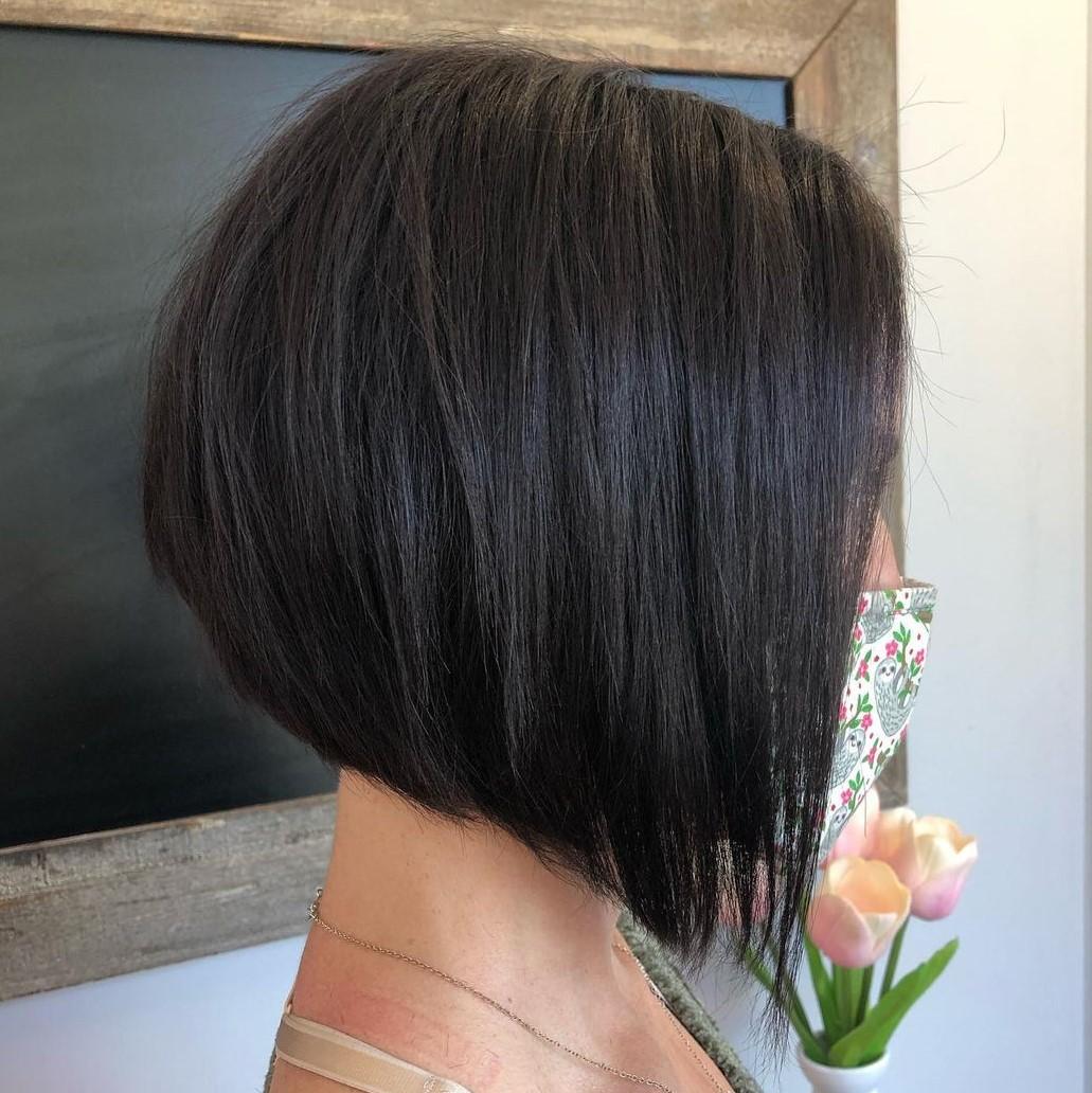 Attractive Inverted Short Bob Haircut