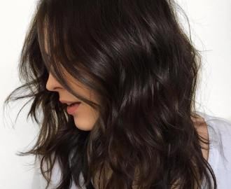 Medium Wavy Hairstyle with Textured Layers